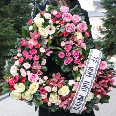 inima funerara trandafiri lisiantus gerbera mini rosa eucalipt