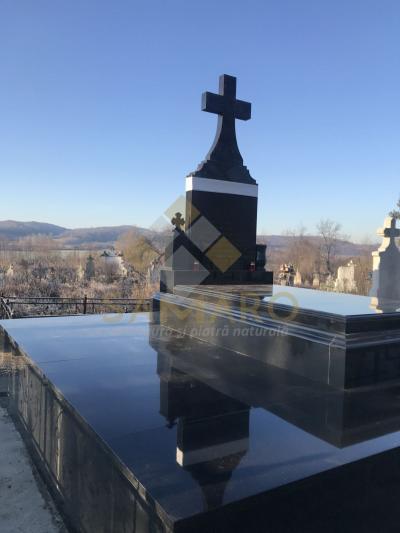samaro monumente funerare 1
