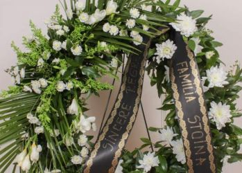 coroana funerara flori naturale angels