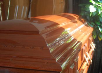 casa funerara nfr sicriu