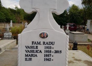 papatia monumente funerare