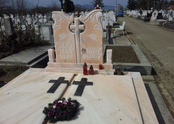 monument funerar dublu 2